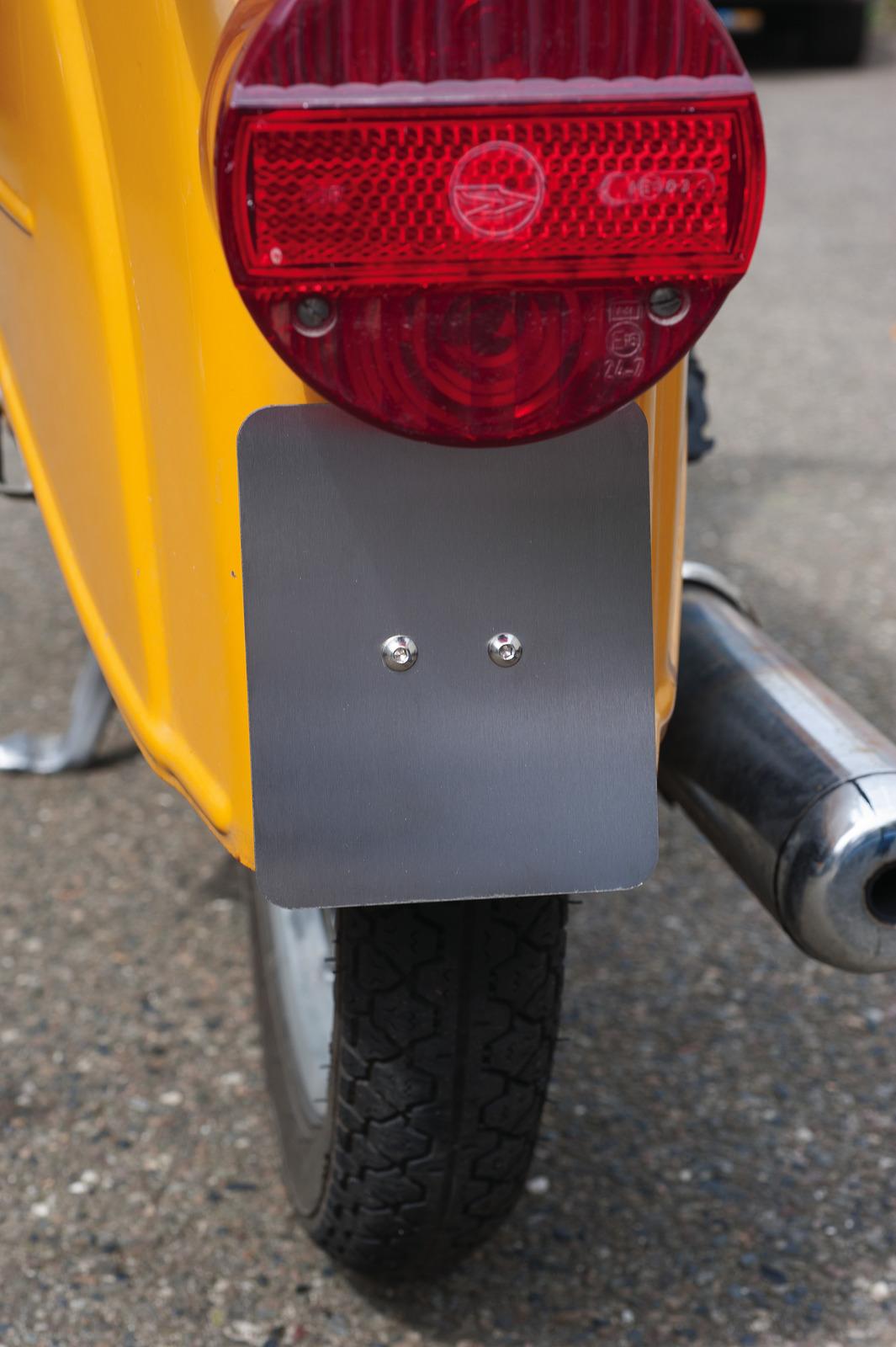mofa moped roller kennzeichenhalter edelstahl inkl. Black Bedroom Furniture Sets. Home Design Ideas